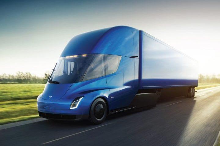 Tesla получила сразу два рекордных заказа наэлектрогрузовики Semi