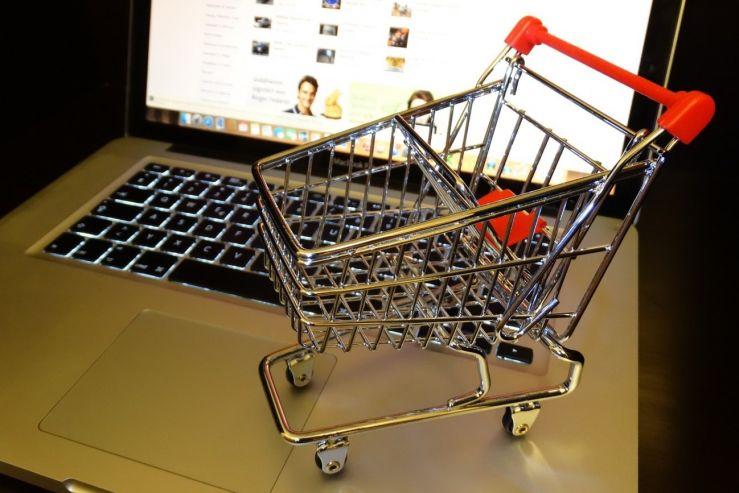 Министр финансов  предложил разрешить с2018 года онлайн-продажу алкоголя на особых  интернет-ресурсах