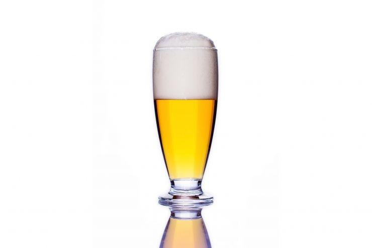Минздрав назвал рекламу безалкогольного пива стимулом косвенного роста спроса на спирт