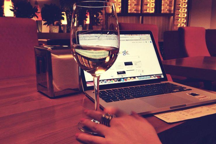 У клиентов алкоголя вглобальной web-сети будут требовать паспорт