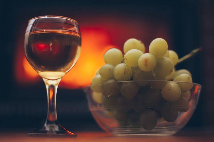 Крымские и Севастопольские виноделы просят защиты от подделок