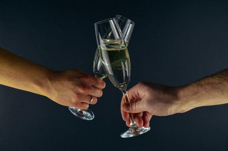 Шампанское может подорожать почти на четверть
