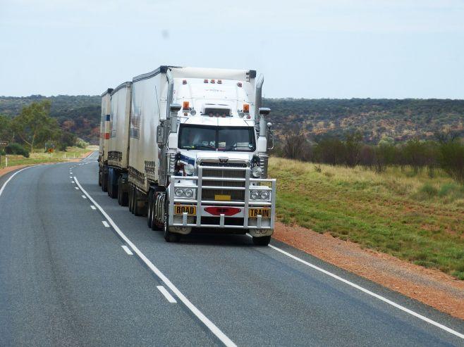 КС разъяснил, когда нельзя изымать автомобили за перевозку контрафакта