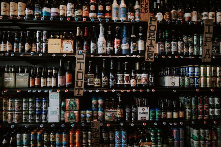 В Волгоградской области планируют запретить продажу алкоголя в придомовых магазинах
