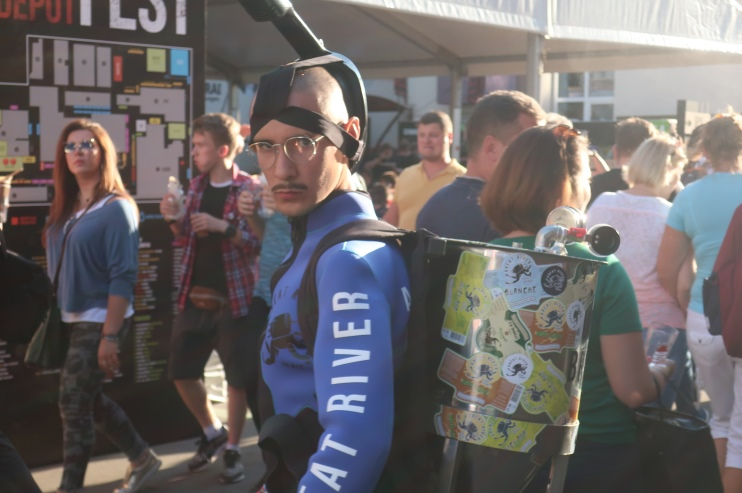 Неотъемлемая часть каждого пивного фестиваля – люди в необычных костюмах
