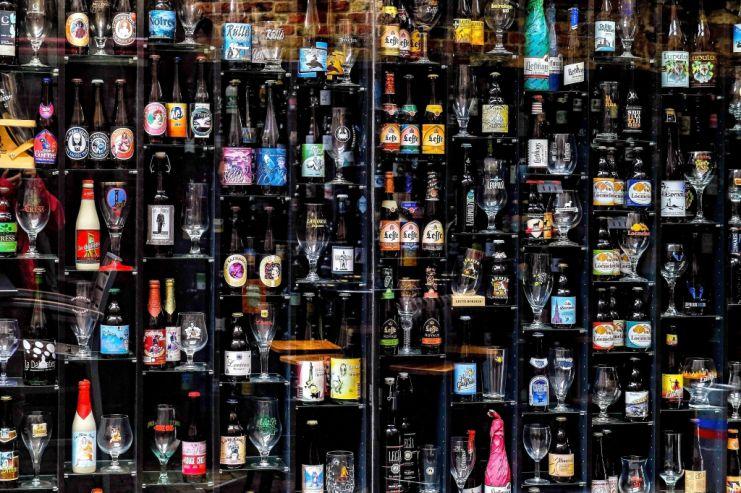 В Якутске для борьбы с нелегалами предлагают разрешить магазинам продавать пиво