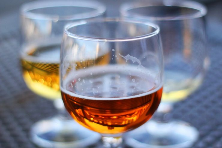 Шотландских потребителей призывают покупать местное пиво, а не импортное