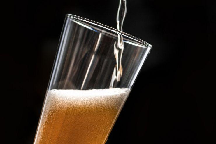 В парижском пабе наливают горькое пиво Brexit