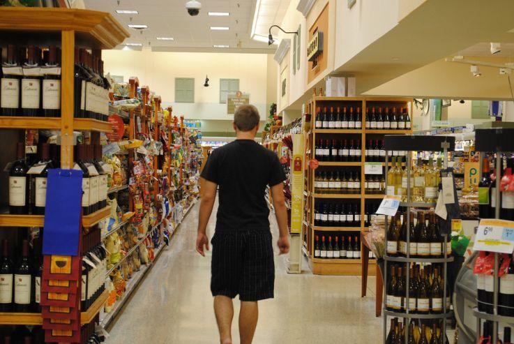 В ГД предложили спрятать алкоголь от покупателей