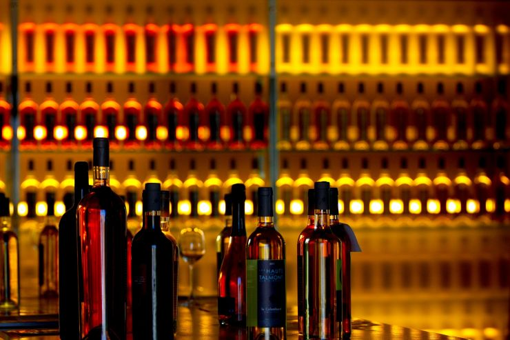 Лицензии по 20000 рублей и смягчение требований к продаже алкоголя – разбор новых законопроектов